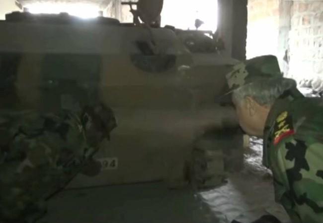 Chiếc xe thiết giáp của Thổ Nhĩ Kỳ bị quân đội Syria thu giữ ở thị trấn Tadef