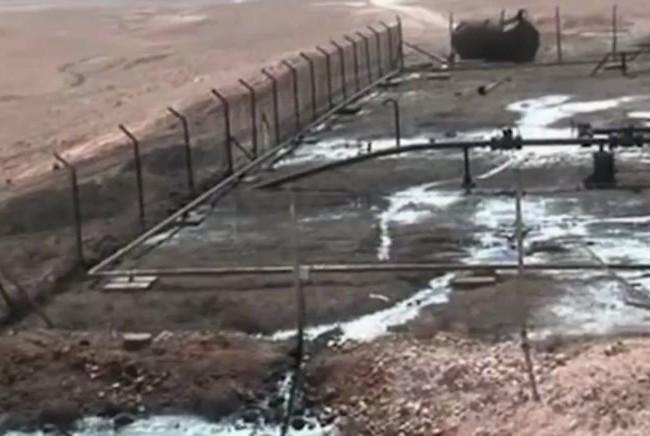 Binh sĩ quân đội Syria trên đường tấn công giải phóng khu mỏ dầu Jazal phía đông bắc thành phố Palmyra
