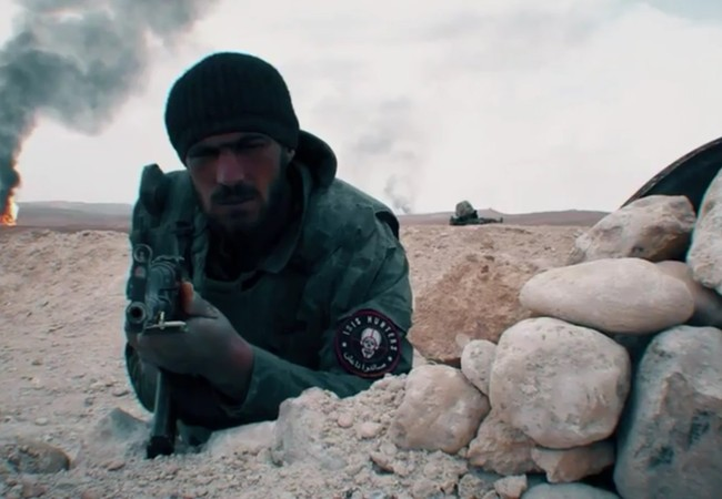 """Một binh sĩ thuộc lực lượng """"IS hunter"""" trên chiến trường Palmyra"""