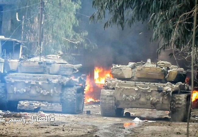 Xe tăng quân đội Syria chiến đấu trên chiến trường Jobar, ngoại ô Damascus