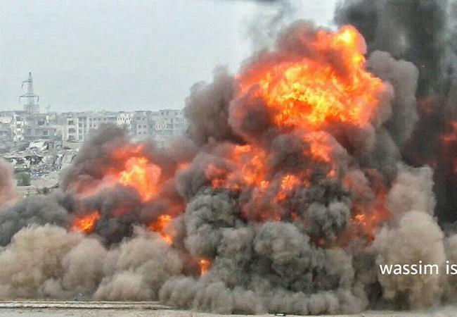 Vụ nổ của một quả bom xe VBIED của lực lượng khủng bố Al-Qaeda
