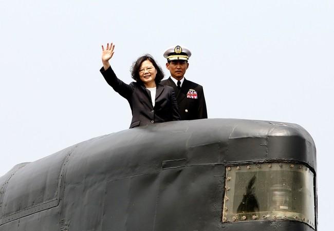 Tổng thống Đài Loan Thái Anh Văn trong chuyến thăm các căn cứ Hải quân