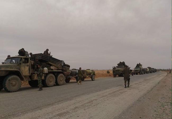 Lực lượng Tiger hành quân cơ động về vùng nông thôn phía bắc tỉnh Hama