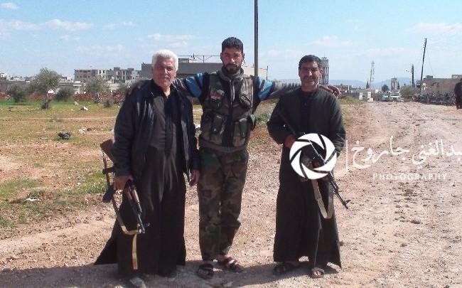 Những dân quân người Sunni, tham gia bảo vệ thị trấn Qomhara, Hama