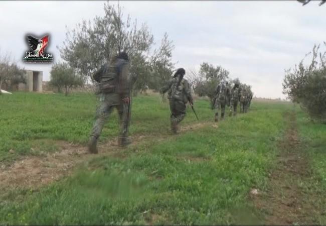 Bộ binh lực lượng Tiger trên đường tiến công