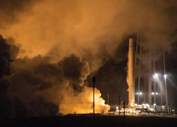 Tên lửa đẩy Fancol 9 trên bệ phóng