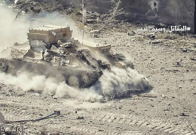 Xe thiết giáp quân đội Syria trên chiến trường Đông Ghouta