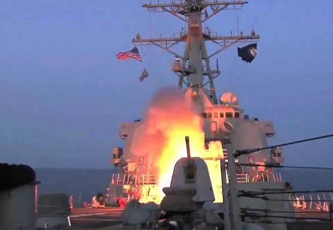Khu trục hạm Mỹ phóng tên lửa hành trình Tomahawk vào Syria