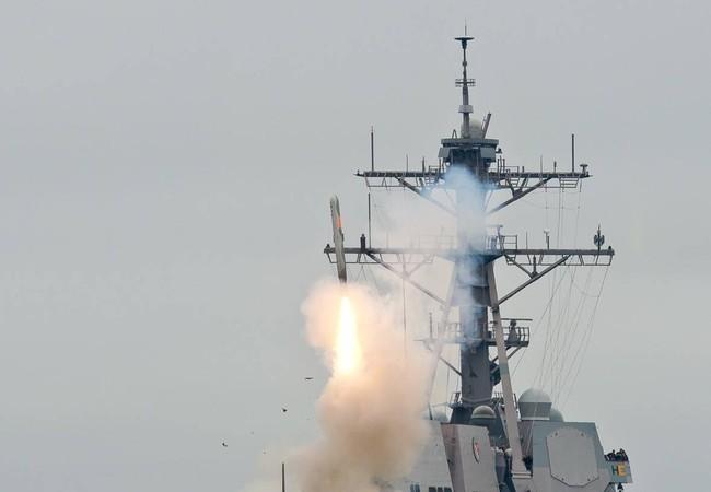 Khu trục hạm Mỹ phóng tên lửa Tomahawk (ảnh minh họa)