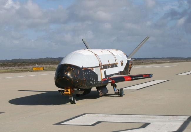 X-37B phi cơ không người lái sử dụng nhiều lần của lực lượng Không quân Mỹ