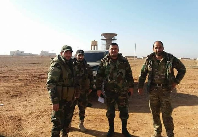 Binh sĩ lực lượng Tiger trên khu vực sân bay Jirah sau khi giải phóng