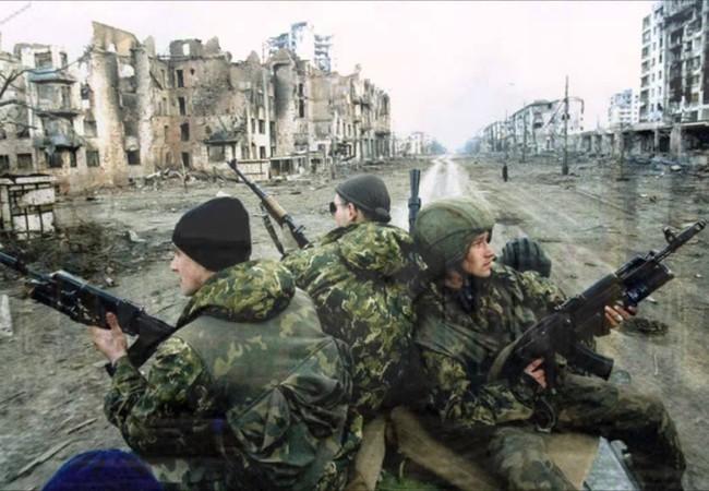 Binh sĩ lực lượng đổ bộ đường không Nga ở Grozny