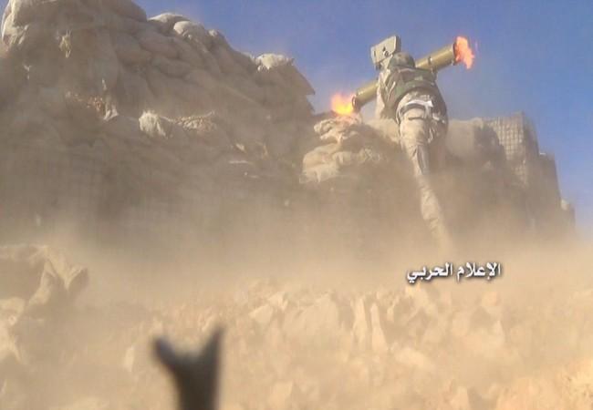 Lực lượng Hezbollah và quân đội Syria tấn công phiến quân trên vùng núi Qalamoun, Syria