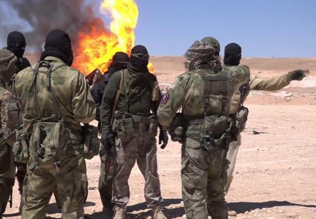 Binh sĩ lực lượng Săn IS trên chiến trường sa mạc Palmyra