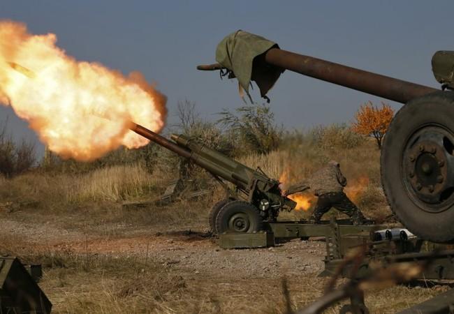 Pháo binh Ukraine bắn phá dữ dội Lugansk