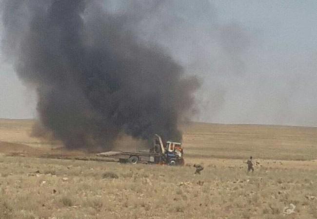 Quân đội Syria phục kích tiêu diệt 2 xe vận tải IS trên chiến trường Hama
