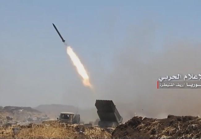 Pháo binh quân đội Syria tấn công lực lượng Hồi giáo cực đoan trên cao nguyên Golan