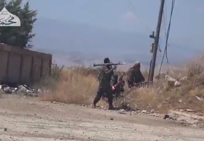 Các tay súng Al-Qaeda Syria đang tấn công vào quân đội Syria