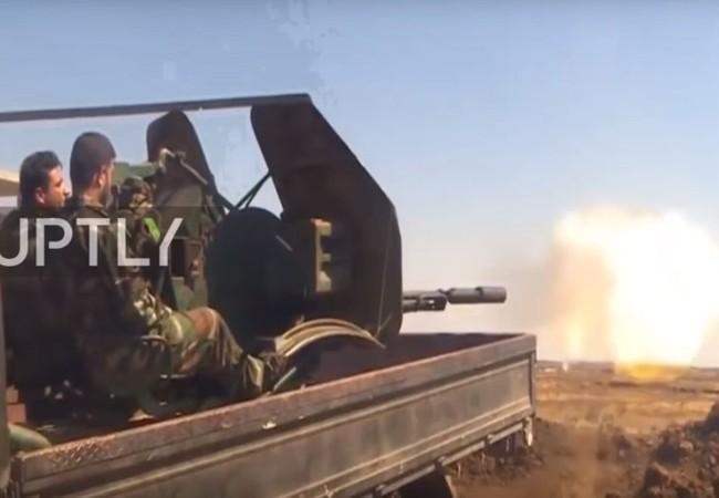 Binh sĩ quân đội Syria chiến đấu trên cao nguyên Golan