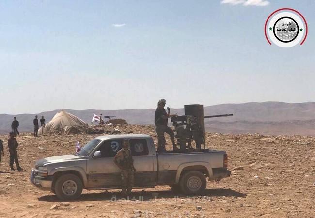 Binh sĩ quân đội Syria trên chiến trường Raqqa