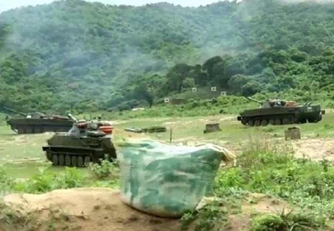 Hải quân đánh bộ Việt Nam diễn tập đổ bộ bắn đạn thật