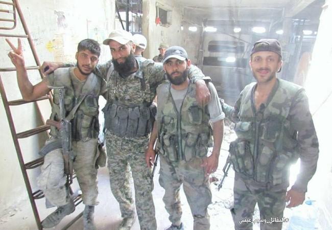 Một nhóm binh sĩ Syria trên chiến trường ngoại ô Damascus