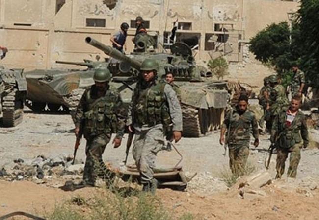 Binh sĩ quân đội Syria trên chiến trường phía đông vùng ngoại ô Damascus
