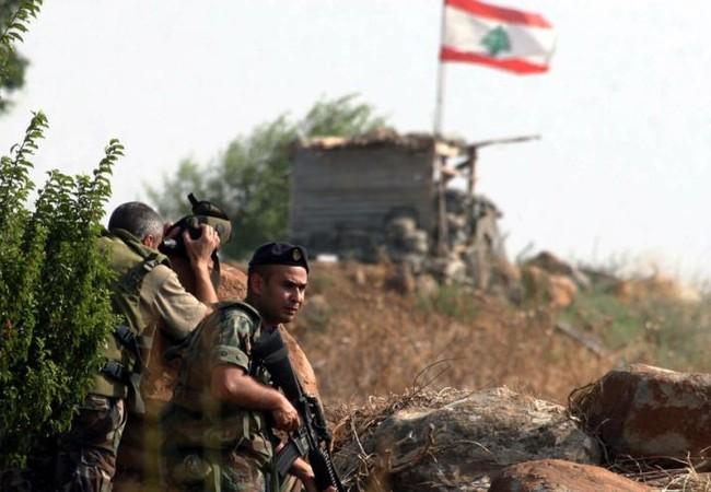 Binh sĩ lực lượng vũ trang Lebanon trên tuyến biên giới với Syria
