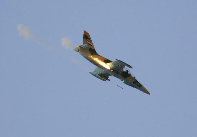 Máy bay chiến đấu của không quân Syria không kích trên vùng nông thôn tỉnh Homs
