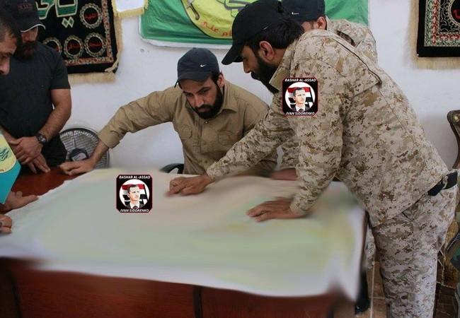 Các sĩ quan quân đội Syria lên kế hoạch chiến đấu trên vùng sa mạc tỉnh Homs