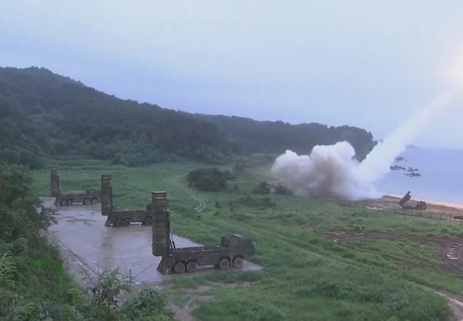 Liên quân Mỹ - Hàn Quốc phóng tên lửa răn đe Bắc Triều Tiên - ảnh RT