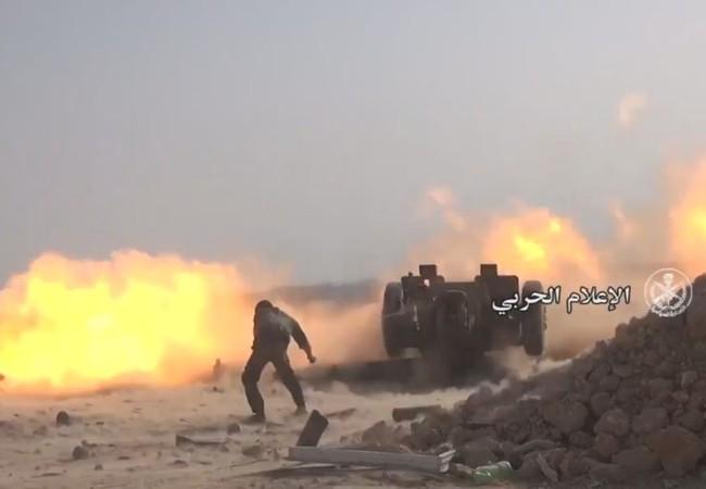 Quân đội Syria bắn phá dữ dội chiến tuyến của IS trên vùng sa mạc phía đông tỉnh Homs - Anh minh họa từ Video