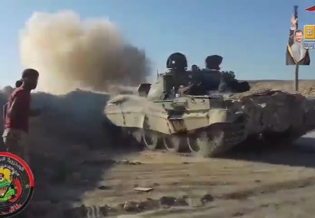 Xe tăng lực lượng Tiger tấn công trên chiến trường Raqqa