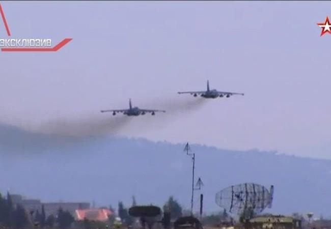 Máy bay cường kích chiến trường Su-25 xuất kích từ sân bay Hmeymim ở Latakia, Syria