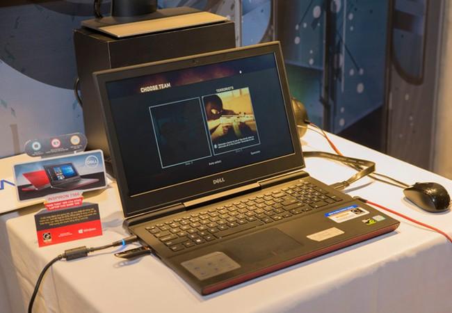 Mẫu máy Inspiron 7566 của Dell được trang bị thêm kết nối HDMI 2.0 có thể truyền hình ảnh đạt chuẩn 4K ẢNH: T.LUÂN