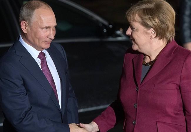 Tổng thống Nga Putin và Thủ tướng Đức Angela Merkel