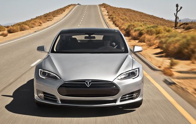 Tesla Model S, một mẫu xe được trang bị tính năng Autopilot (tự lái) của Tesla