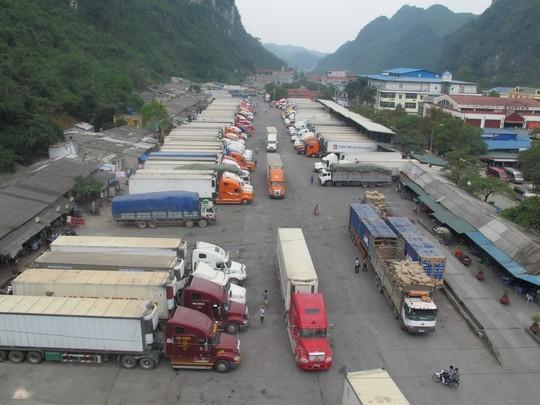 Hàng Việt Nam xuất sang Trung Quốc chủ yếu là nông sản (ảnh minh hoạ).