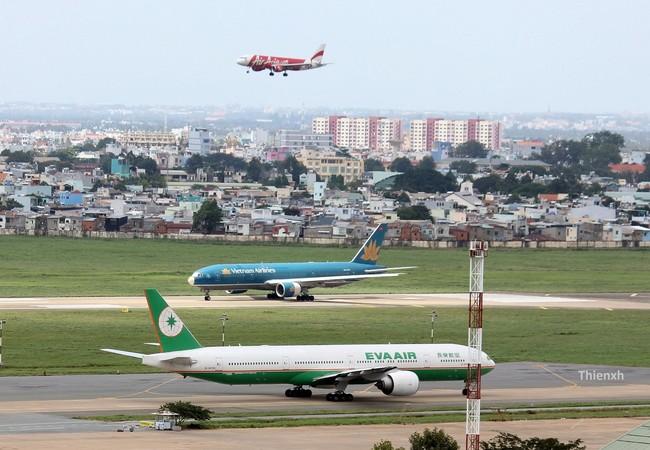 Hành khách tại sân bay Tân Sơn Nhất, TP.HCM gặp sự cố hy hữu
