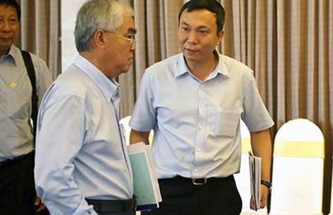 Chủ tịch VFF Lê Hùng Dũng và Phó Chủ tịch Trần Quốc Tuấn, hai người bị cấp dưới tố cáo nhận hối lộ. Ảnh: XUÂN HUY
