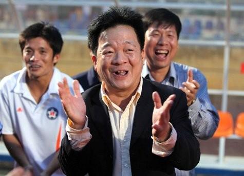 Bầu Hiển quyết vụ mời Man City sang Việt Nam chỉ trong 15 phút