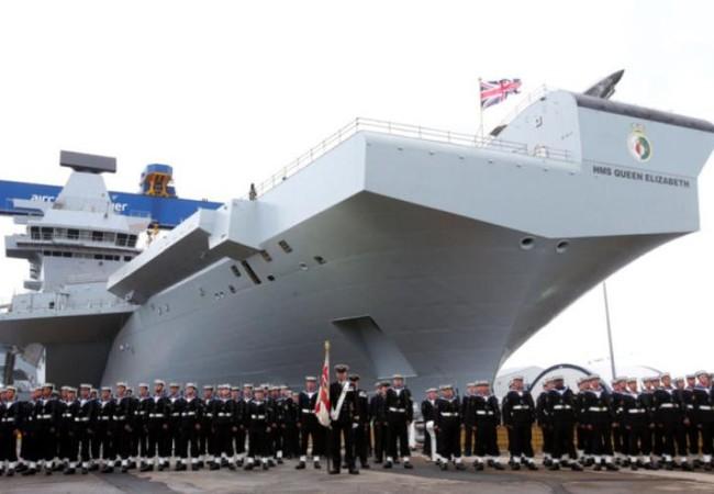 Tàu sân bay HMS Queen Elizabeth Hải quân hoàng gia Ạnh. Ảnh: Portsmouth News.