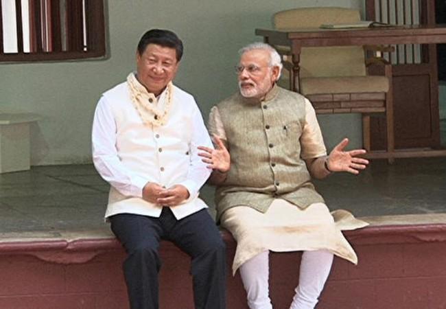 Chủ tịch Trung Quốc Tập Cận Bình và Thủ tướng Ấn Độ Narendra Modi. Ảnh: Epochtimes.