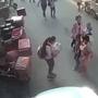 Cộng đồng mạng ngợi khen cô bé tiểu học nỗ lực cứu em bé rơi từ căn hộ cao tầng