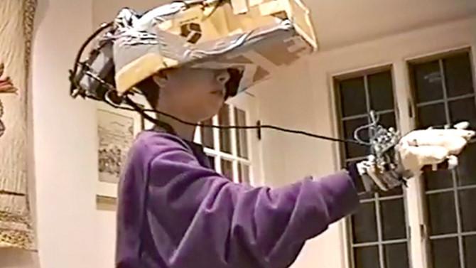 Video thiếu niên tự chế 'kính thực tế ảo' từ năm 1993