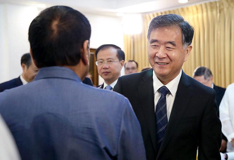 """Tổng thống Rodrigo Duterte: Sáng kiến """"Một vành đai một con đường"""" có lợi cho ASEAN"""