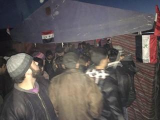 Những chiến binh nổi dậy vùng Wadi Barada nộp vũ khí đầu hàng