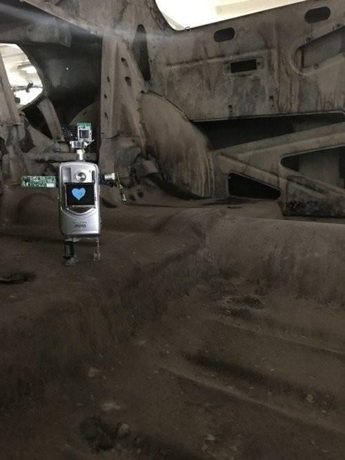 """Xem máy ảnh cũ """"biến hình"""" thành robot ngộ nghĩnh - ảnh 7"""