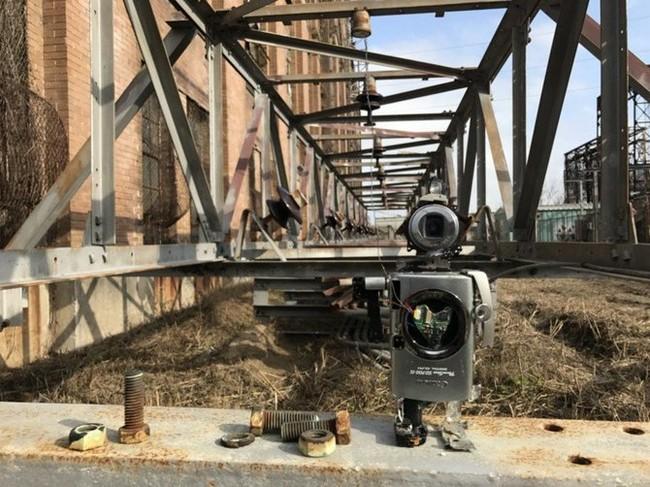 """Xem máy ảnh cũ """"biến hình"""" thành robot ngộ nghĩnh - ảnh 6"""