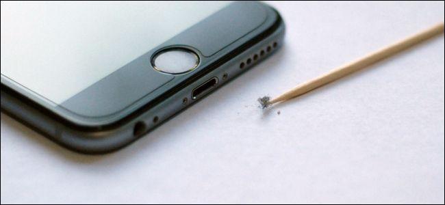 Làm gì khi iPhone, iPad không nhận sạc? - ảnh 1